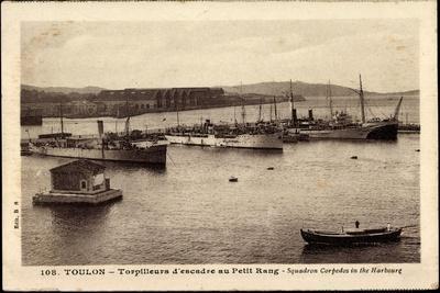 https://imgc.allpostersimages.com/img/posters/franzoesische-kriegsschiffe-toulon-torpilleurs_u-L-POTNRR0.jpg?p=0