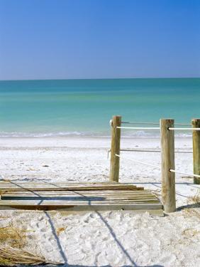 Bradenton Beach, Anna Maria Island, Florida, USA by Fraser Hall
