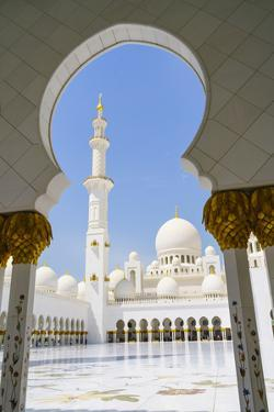 Sheikh Zayed Mosque, Abu Dhabi, United Arab Emirates, Middle East by Fraser Hall