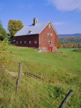The Red Barns Typify Vermont's Countryside, Vermont, USA by Fraser Hall