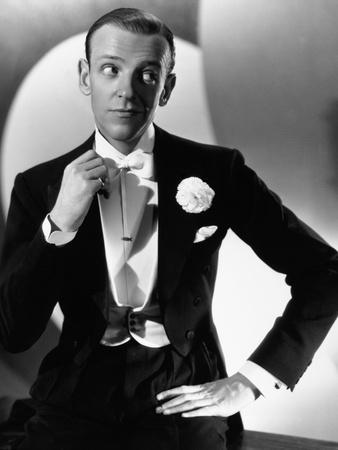 https://imgc.allpostersimages.com/img/posters/fred-astaire-he-s-my-uncle-1941-you-ll-never-get-rich-directed-by-sidney-lanfield_u-L-Q10T3WD0.jpg?artPerspective=n