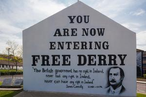 Free Derry Corner, Republican political sign for Free Derry, Bogside Area, Derry, County Londond...