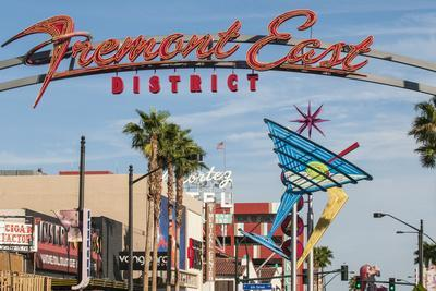 https://imgc.allpostersimages.com/img/posters/fremont-street-and-neon-sign-las-vegas-nevada-united-states-of-america-north-america_u-L-PWFIJN0.jpg?p=0