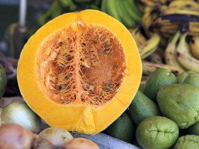 https://imgc.allpostersimages.com/img/posters/fresh-vegetables-and-fruits-at-the-local-market-in-st-john-s-antigua-caribbean_u-L-PHAP1R0.jpg?p=0
