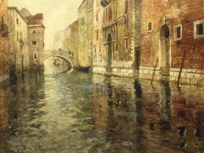 A Venetian Canal Scene by Fritz Thaulow