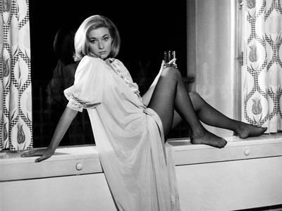 https://imgc.allpostersimages.com/img/posters/from-russia-with-love-daniela-bianchi-1963_u-L-Q1BUBER0.jpg?artPerspective=n