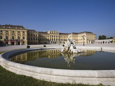 https://imgc.allpostersimages.com/img/posters/front-facade-schonbrunn-palace-unesco-world-heritage-site-vienna-austria-europe_u-L-PFNCZ00.jpg?p=0