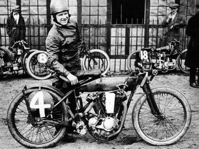 Fw Dixon with a Harley-Davidson, 1923