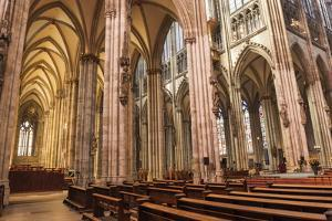 Central Nave by G and M Therin-Weise