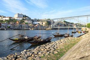 Ponte Dom Luis I Bridge over the Douro River, UNESCO World Heritage Site, Oporto, Portugal, Europe by G and M Therin-Weise