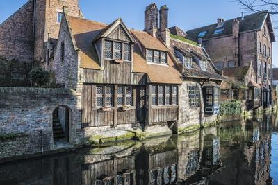 Houses Along a Channel, Historic Center of Bruges, UNESCO World Heritage Site, Belgium, Europe