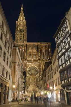 Cathedral Notre-Dame at night, Strasbourg, Alsace, Bas-Rhin Department, France, Europe by G&M Therin-Weise