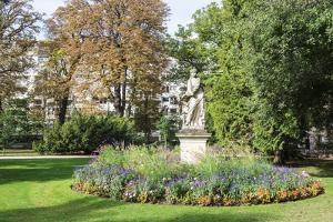 Statue in the Luxembourg Gardens, Paris, France, Europe by G & M Therin-Weise