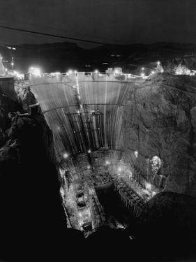Boulder Dam under Construction by Gabriel Moulin