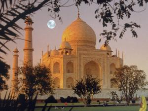 Taj Mahal, Agra, India by Gale Beery