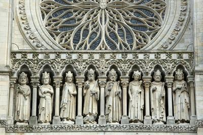 https://imgc.allpostersimages.com/img/posters/gallery-of-kings-restored-by-viollet-le-duc-between-1849-and-1861-amiens-cathedral-france_u-L-Q1GYIHW0.jpg?artPerspective=n