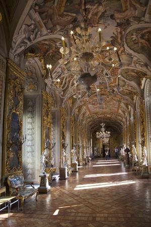 https://imgc.allpostersimages.com/img/posters/gallery-of-mirrors-palazzo-doria-pamphilj-rome-lazio-italy-europe_u-L-PQ8SMB0.jpg?p=0
