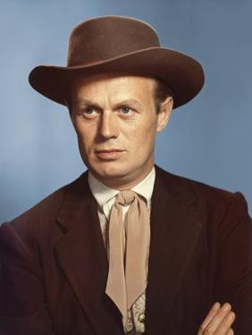GARDEN OF EVIL, 1954 directed by HENRY HATHAWAY Richard Widmark (photo)