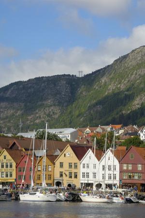 Bryggen, Vagen Harbour, UNESCO World Heritage Site, Bergen, Hordaland, Norway, Scandinavia, Europe by Gary Cook
