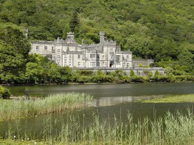 Kylemore Abbey, Connemara, County Galway, Connacht, Republic of Ireland