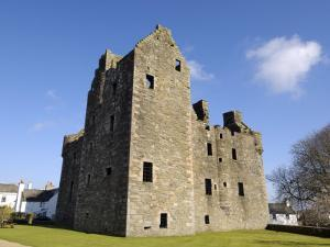 Maclellan's Castle, Kirkcudbright, Dumfries and Galloway, Scotland, United Kingdom, Europe by Gary Cook