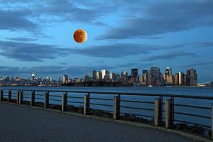 Th New York City Skyline by Gary718