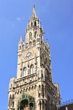 The City Hall in Marienplatz Munich by Gary718