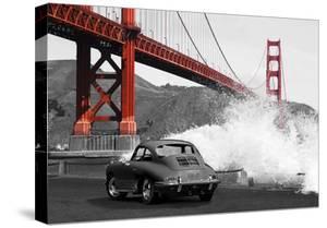 Under the Golden Gate Bridge, San Francisco (BW) by Gasoline Images