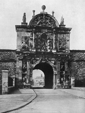 Gate of the Citadel, Plymouth, Devon, 1924-1926