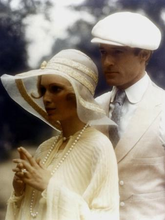 https://imgc.allpostersimages.com/img/posters/gatsby-le-magnifique-the-great-gatsby-by-jack-clayton-with-robert-redford-and-mia-farrow-1974-pho_u-L-Q1C1NID0.jpg?artPerspective=n