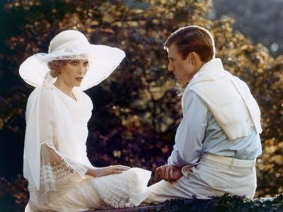 https://imgc.allpostersimages.com/img/posters/gatsby-le-magnifique-the-great-gatsby-by-jack-clayton-with-robert-redford-and-mia-farrow-1974-pho_u-L-Q1C1NM00.jpg?artPerspective=n