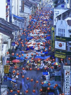 Asia, Malaysia, Kuala Lumper, Night Market in Chinatown by Gavin Hellier