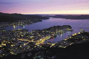 Bergen, Norway by Gavin Hellier