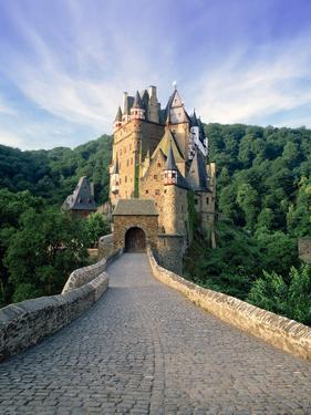 Burg Eltz, Near Cochem, Moselle River Valley, Rhineland-Palatinate, Germany by Gavin Hellier