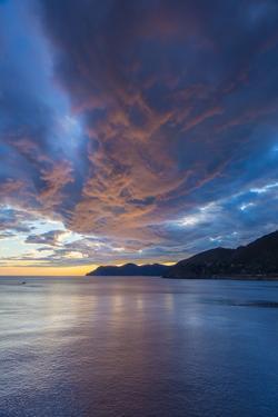 Coast Near Manarola, Cinque Terre, Liguria, Italy, Europe by Gavin Hellier
