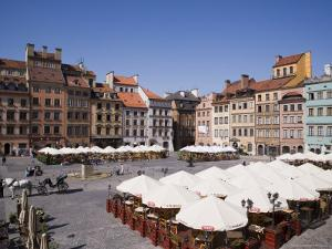 Colourful Houses, Restaurants and Cafes the Old Town Square (Rynek Stare Miasto), Warsaw, Poland by Gavin Hellier