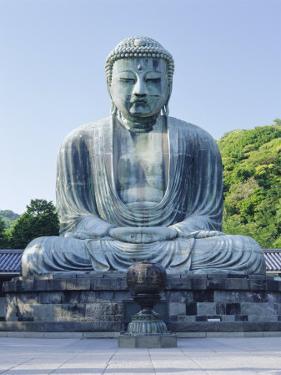 Daibusu (The Great Buddha), Kamakura, Tokyo, Japan by Gavin Hellier