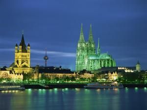 Dom Cathedral and the River Rhine, Cologne, Nord Rhein Westfalen, Germany, Europe by Gavin Hellier