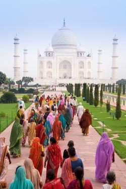 India, Uttar Pradesh, the Taj Mahal, This Mughal Mausoleum Has Become the Tourist Emblem of India by Gavin Hellier