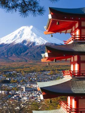 Japan, Central Honshu (Chubu), Fuji-Hakone-Izu National Park, Mount Fuji Capped in Snow by Gavin Hellier