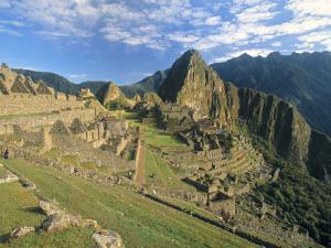 Macchu Pichu, Peru by Gavin Hellier