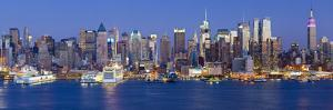 Manhattan, View of Midtown Manhattan across the Hudson River, New York, USA by Gavin Hellier