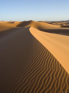 Merzouga, Erg Chebbi, Sahara Desert, Morocco by Gavin Hellier