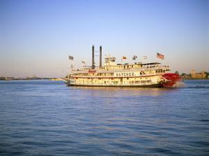 Mississippi River Paddle Steamer, New Orleans, Louisiana, USA by Gavin Hellier