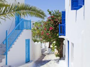 Mykonos (Hora), Cyclades Islands, Greece, Europe by Gavin Hellier