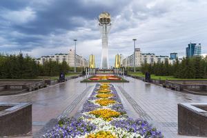Nurzhol Bulvar, Astana, Kazakhstan by Gavin Hellier