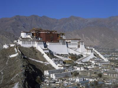 Potala Palace, UNESCO World Heritage Site, Lhasa, Tibet, China by Gavin Hellier