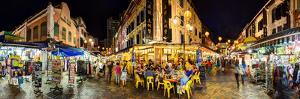 Restaurants and Cafes in Chinatown, Singapore by Gavin Hellier