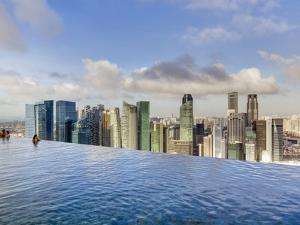 Sands Skypark Infinity Swimming Pool on 57th Floor of Marina Bay Sands Hotel, Marina Bay, Singapore by Gavin Hellier