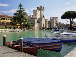 Sirmione, Lago Di Garda, Lombardia, Italian Lakes, Italy by Gavin Hellier